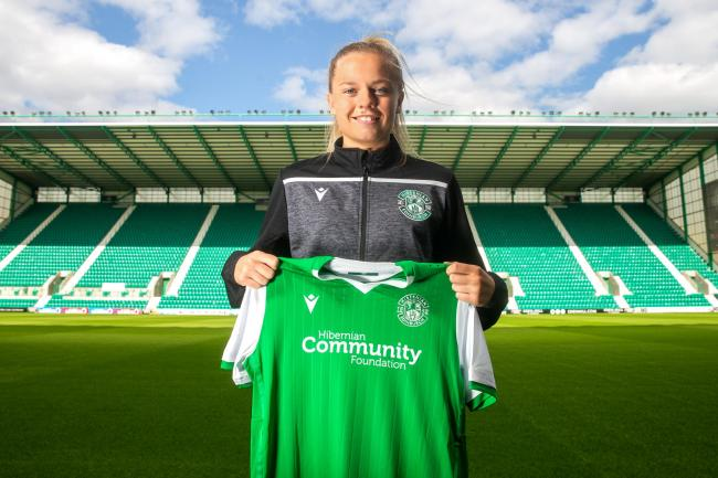 Amy Muir signs for Hibernian Ladies. Picture by  Craig Doyle.