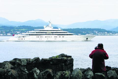 Billionaire S Superyacht Arrives In Greenock Greenock Telegraph