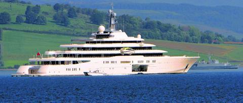 Billionaire Roman Abramovich S Superyacht Sets Sail From Greenock