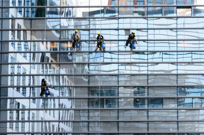 window cleaning stock image from pixabay